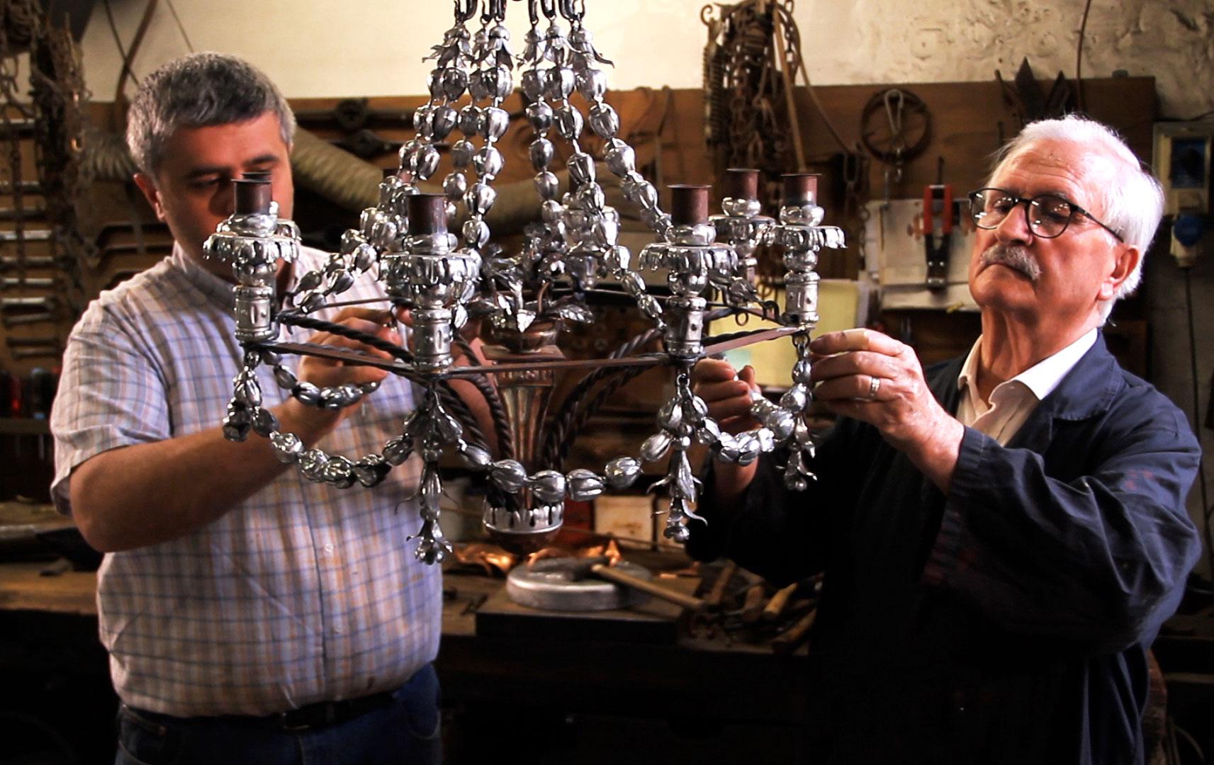 Enrico-e-armando-vocaturi-nella-bottega-del-ferro-opere-principali
