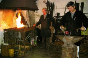 Vocaturi-arte-del-ferro-Lavorazione-ferro-alla-forgia