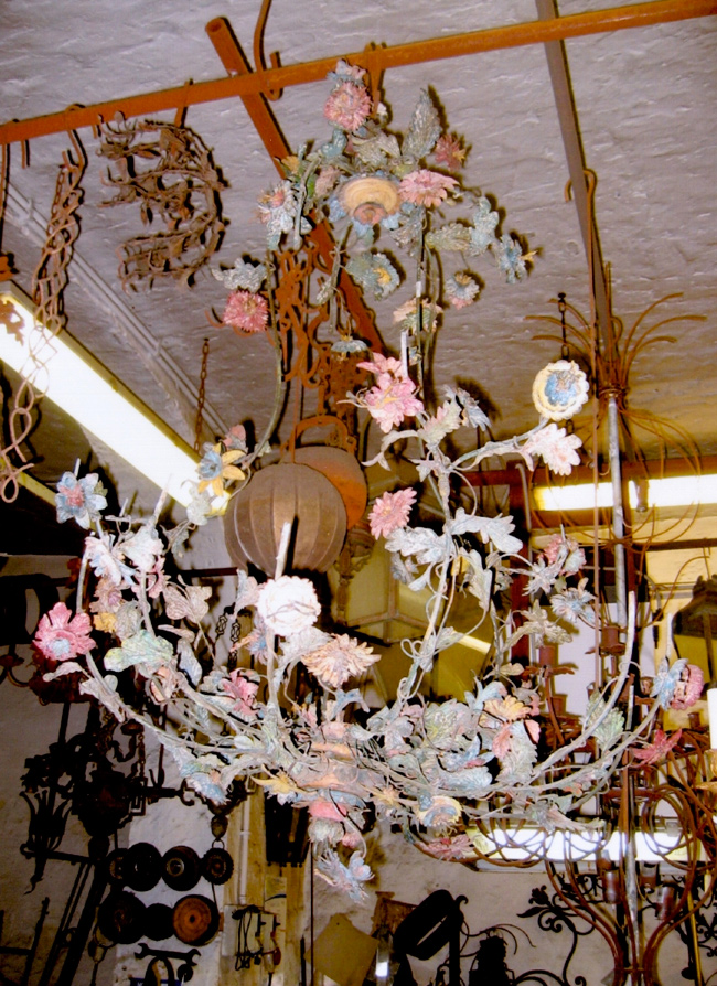 Vocaturi-arte-del-ferro-lavoro-di-restauro-lampadario2