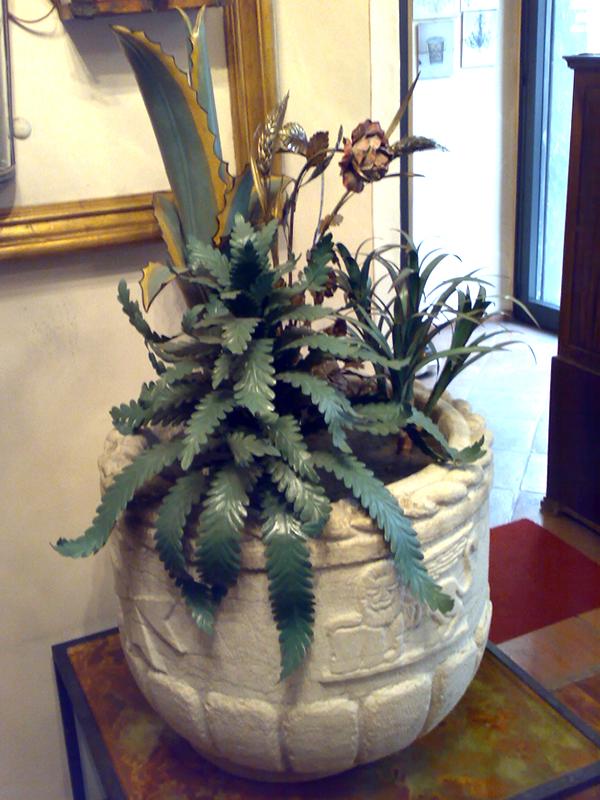 vaso in marmo con fiori cod76
